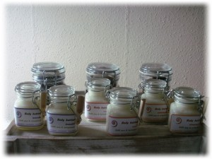 natuurlijke wellnes producten, natuurlijke cosmetica, bodybutters, aromatherapie, amandelolie, huidverzorging, eczeem, psoriasis, gevoelige huid, ant-rimpel, anti-uitdroging, hydratatie, kokosolie, kokosvet, homemade bodybutters, wellness Breda, Sheila Haanstra-van Kan, kokos