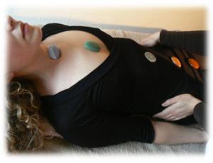 healing, energetische behandeling, massage, wellness, edelstenen, aura, chakra's, energiestroom, holistisch, holistische behandeling, hooggevoelig, healing Breda, reading, paranormaal, energetisch therapeut Breda, Vitalis GGZ, hoogsensitief, meridianen, balans, energieherstel, counseling, magnetiseren, reiki